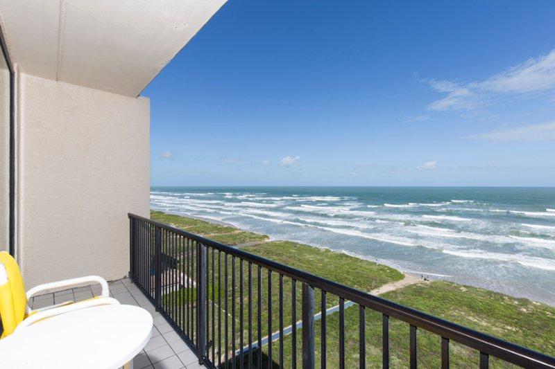 Balcony with oceanview