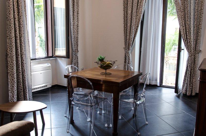 Mini appartamento arredato full service, vacation rental in Brindisi
