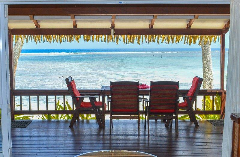 IRO'S BEACH VILLA - A 2 Bedroom Beach Villa with En-suites and modern features., aluguéis de temporada em Rarotonga