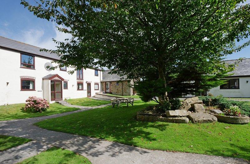 Welcombe 2 Bedroom Cottage, location de vacances à Marhamchurch
