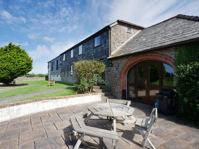 Granary 3 Bedroom Cottage, location de vacances à Poundstock