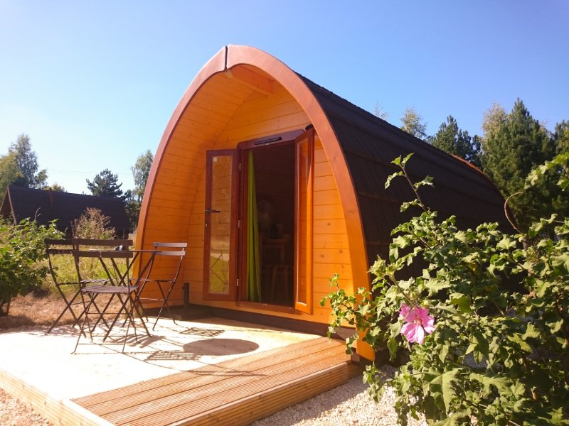 unusual lodge stay in the quiet countryside close to nature near the castles of the Loire Valley
