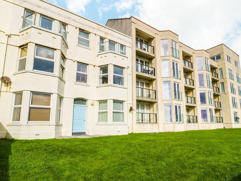 21 WEST END POINT, open plan, all ground floor, beach views, in Pwllheli, Ref, holiday rental in Efailnewydd