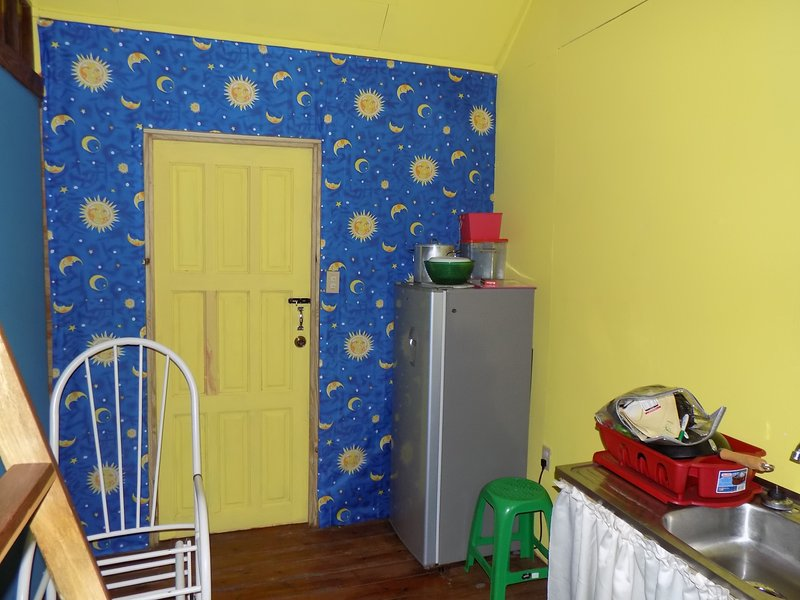 Belmopan Tiny Hostel Blue Hole, holiday rental in Cayo