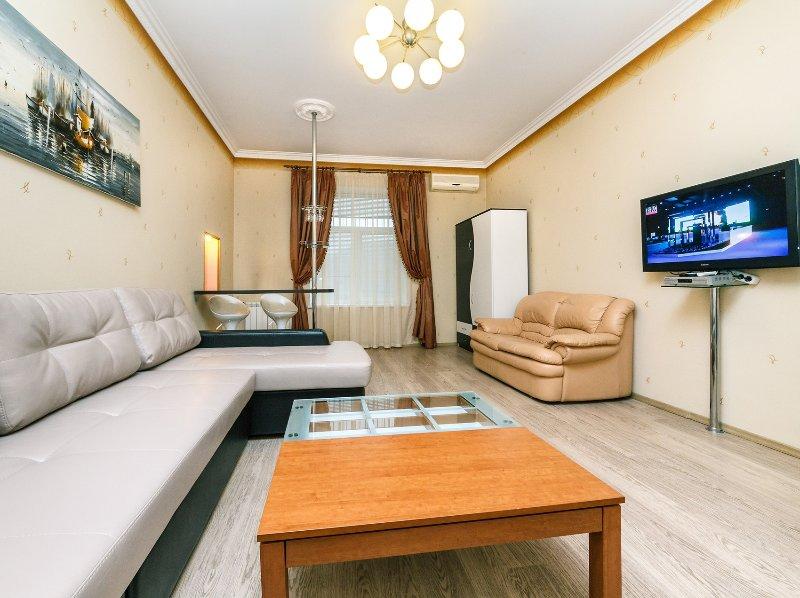 3010 - Two bedrooms. Maidan Nezalezhnosti, vacation rental in Kyiv (Kiev)