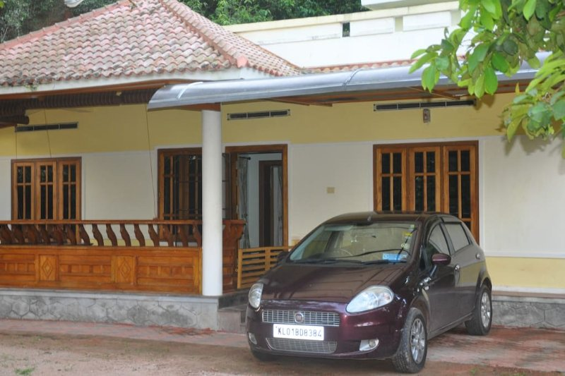 Calm Lake-View - Room 3, holiday rental in Kollam