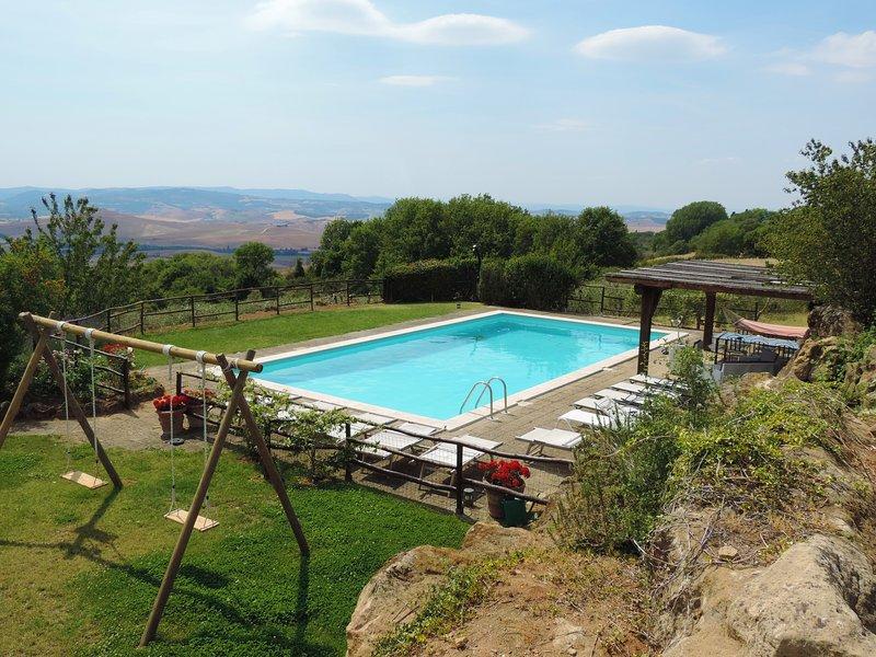 Fonte Sanesi casale in Val'd'Orcia con piscina e aria condizionata, vacation rental in Pienza