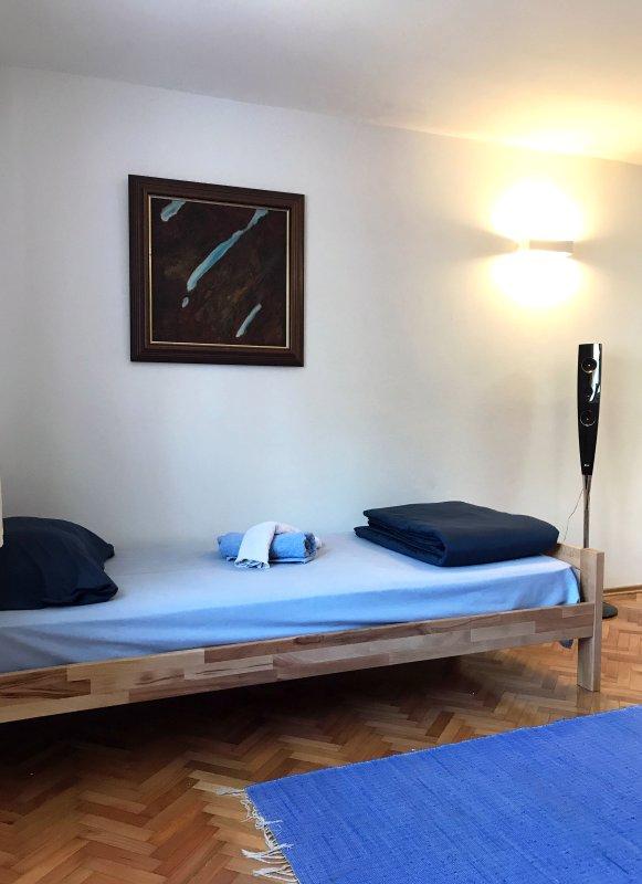 Studio 9 - free wi-fi + parking, vacation rental in Sopot