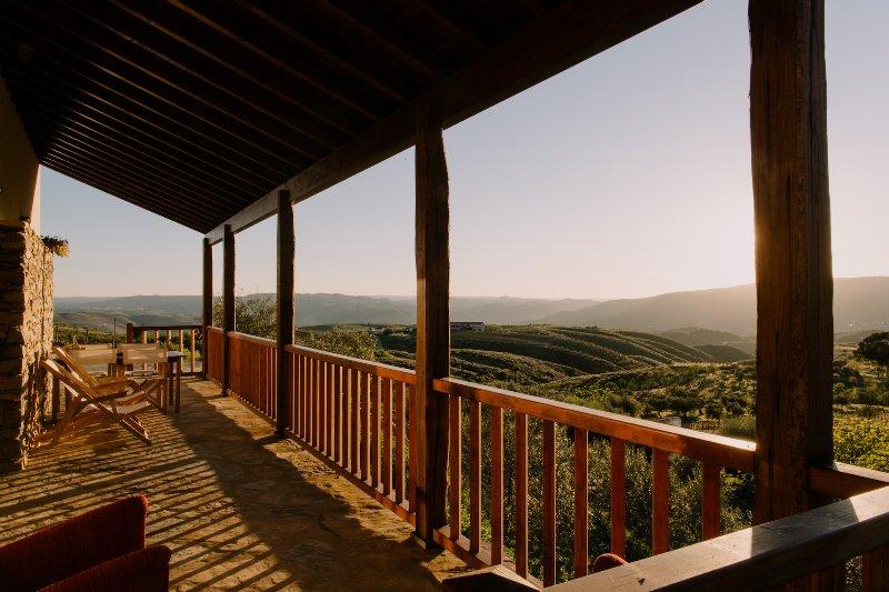 Casa dos Coelhos | Country House & Landscape, vacation rental in Meda