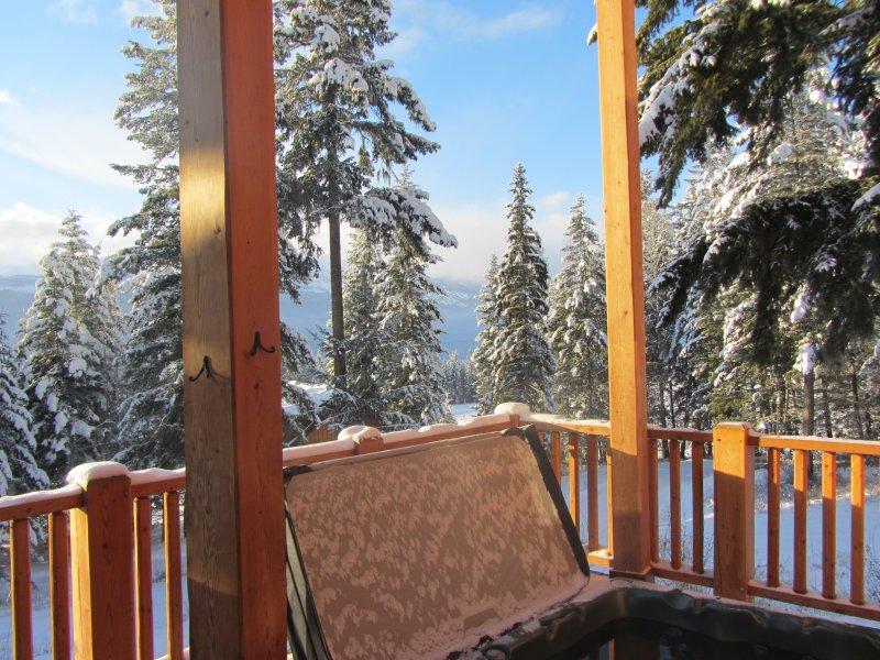jacuzzi privado en la terraza con vistas preciosas