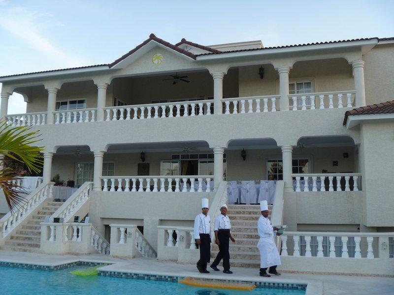3br Villa with Vip Access - Ok Kosher Certified All Inclusive Program, holiday rental in Maimon