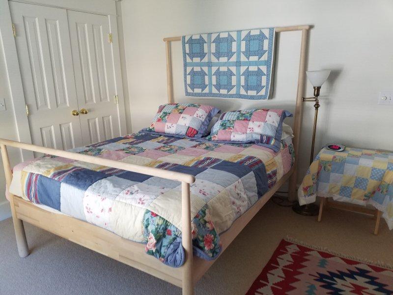 2º quarto com cama queen