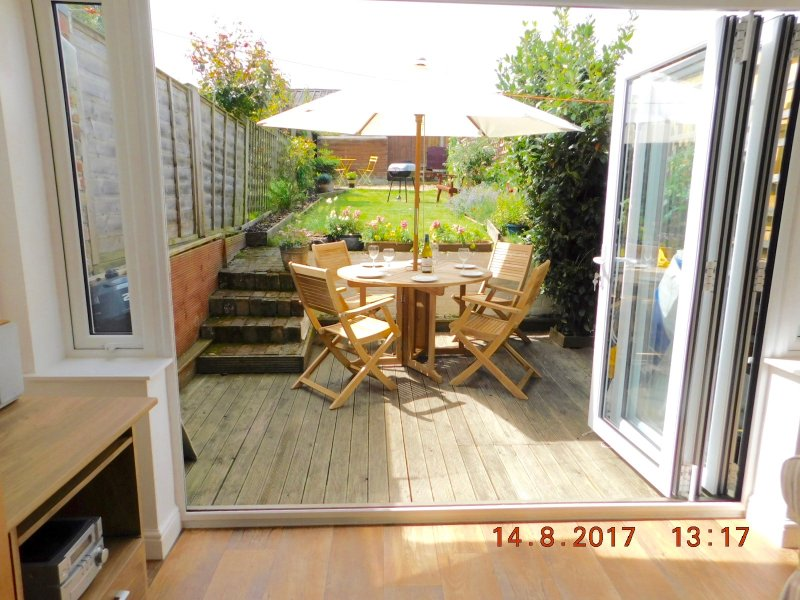 FortyTwo - a three-bedroom West Cowes house, near marinas, bars and restaurants, vakantiewoning in Cowes