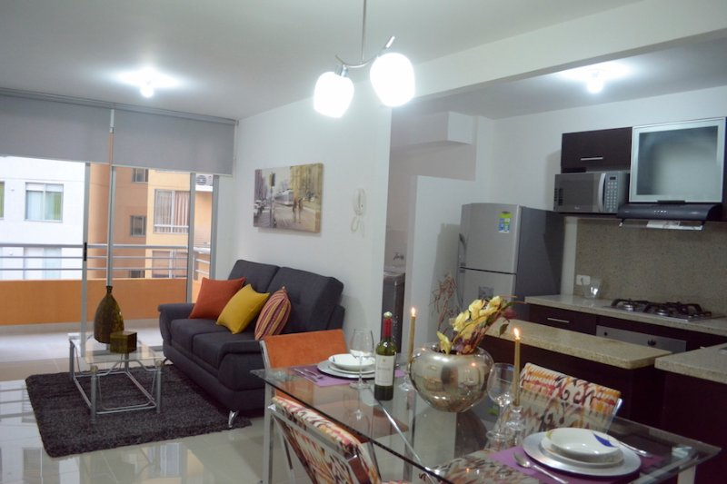 NICE APARTMENT NEXT TO CHIPICHAPE SHOPPING CENTER(515), alquiler de vacaciones en La Cumbre