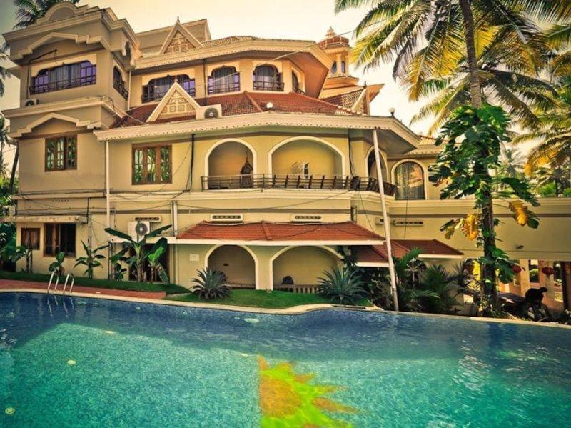 Room 16 - Clean Rooms & Free pool at Varkala Beach, vacation rental in Kottarakkara