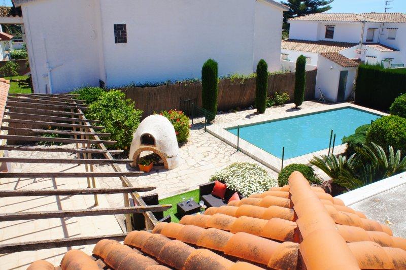 Chalet para 8 personas con piscina privada, holiday rental in Alcanar