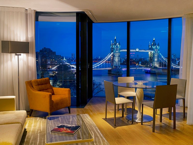 Luxury 2 bedroom Apartments Overlooking The Tower of ...