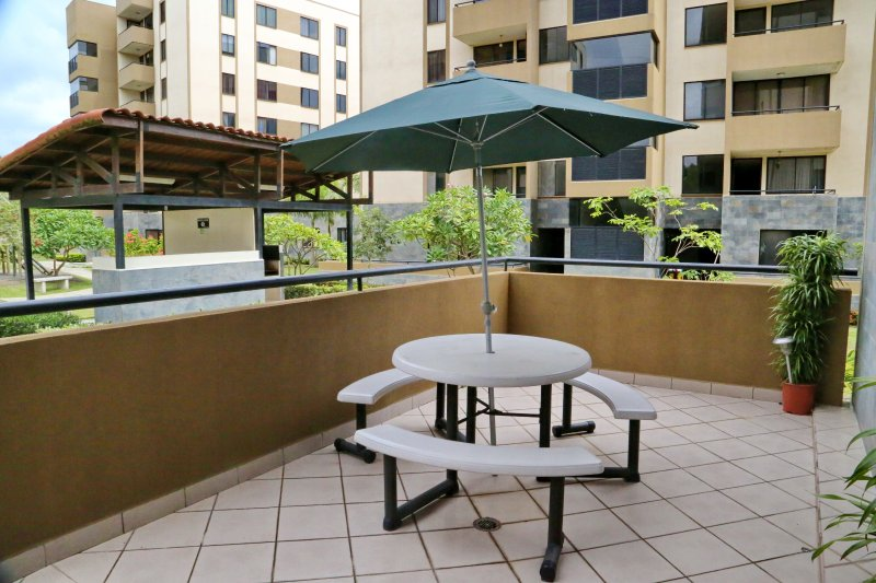 Alegro Family Condo / Santa Ana - La Guacima (+ Free Airport Welcome), location de vacances à San Jose Metro