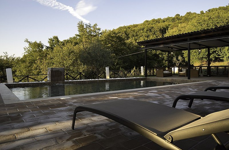 Querce Villa Sleeps 8 with Pool and WiFi - 5229403, Ferienwohnung in Armenzano