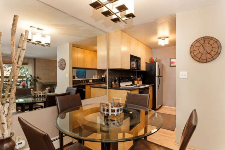 Enjoy breakfast at the dining table before heading to your favorite ski mountain. Kitchen is equipped with oven, microwave, coffee maker, dishwasher a