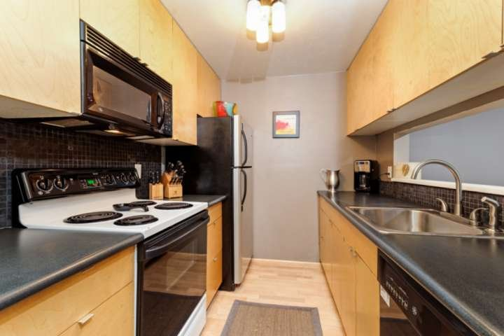 You have everything you need to make a great meal in this convenient kitchen.