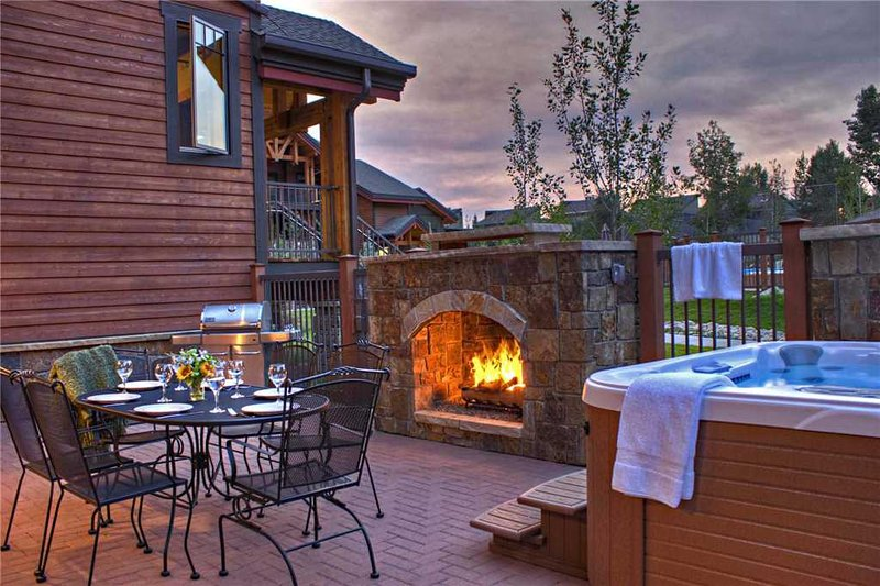 Bear Lodge 6106 - Trappeur's Crossing Resort, alquiler de vacaciones en Steamboat Springs
