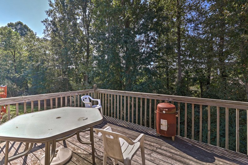 Escape the hustle and bustle of normal life by retreating to this charming Jonesboro vacation rental house.