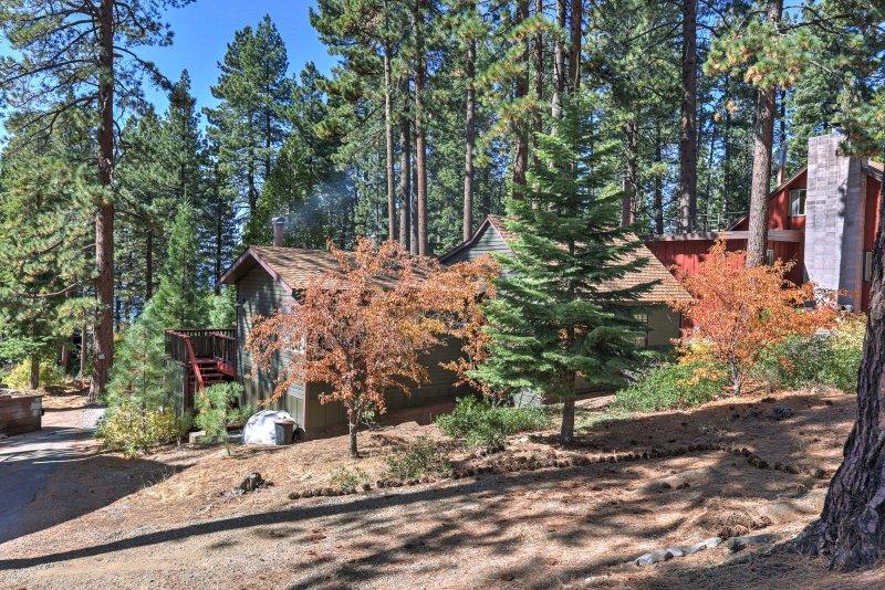 Haz las maletas y la cabeza hacia el lago para alojarse en este encantador cabina Glenbrook.