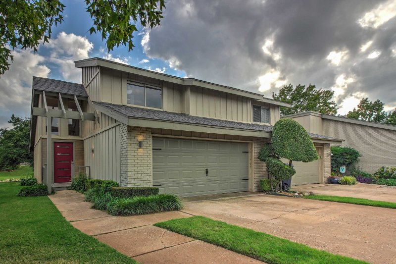 Experience the best of Oklahoma City from this modern 2-bedroom, 1.5-bathroom vacation rental townhouse located in a quiet residential neighborhood!
