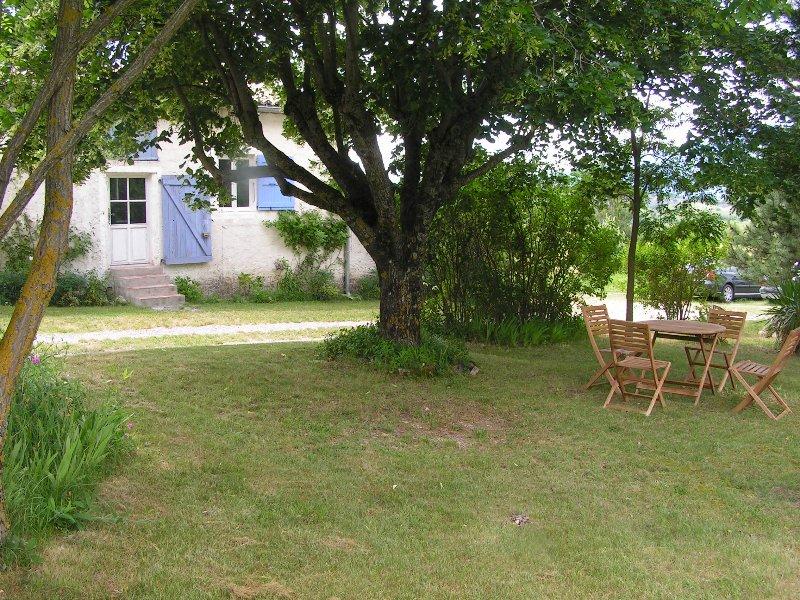 Entrée appartement + Jardin privatif