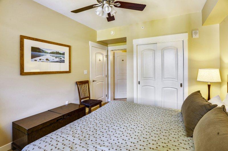 Dormitorio principal, rey colchón