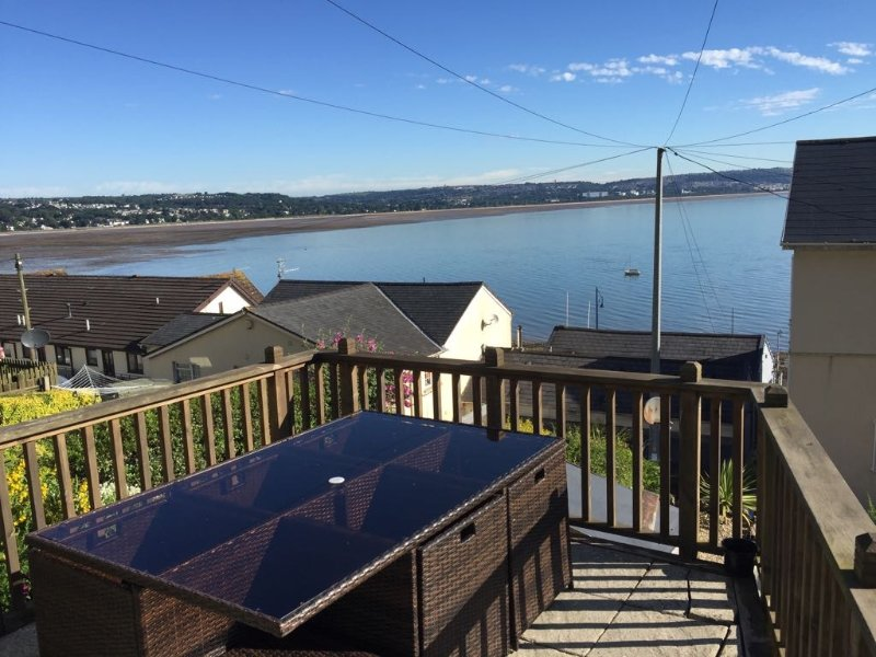 Daisy's Gorgeous Fisherman's Cottage in the heart of the Mumbles, holiday rental in Mumbles