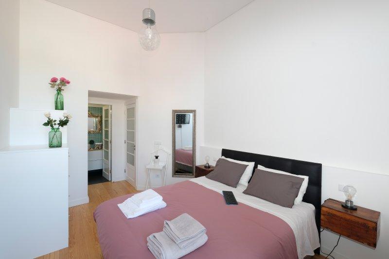 Porto Duke´s House *Free Parking&Breakfast*, holiday rental in Porto
