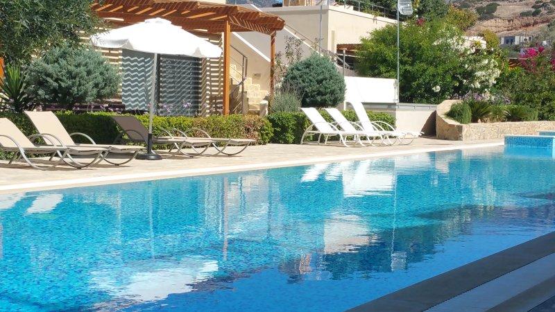 Lagada Resort - Penthouse Apartment with Roof Terrace, location de vacances à Makry-Gialos