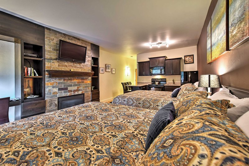 Cozy up in this quaint, 1-bath vacation rental studio condo in Park City, Utah!