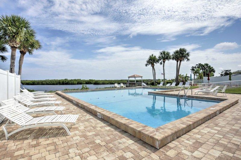 Comece a sua fuga na costa neste 2 quartos, casa de 2 casa de banho Casas de Port Orange!