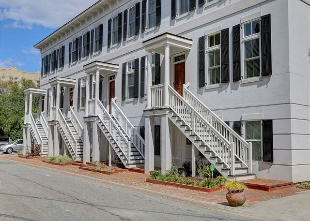 stay local in savannah 3 story townhome w garage parking off rh tripadvisor com