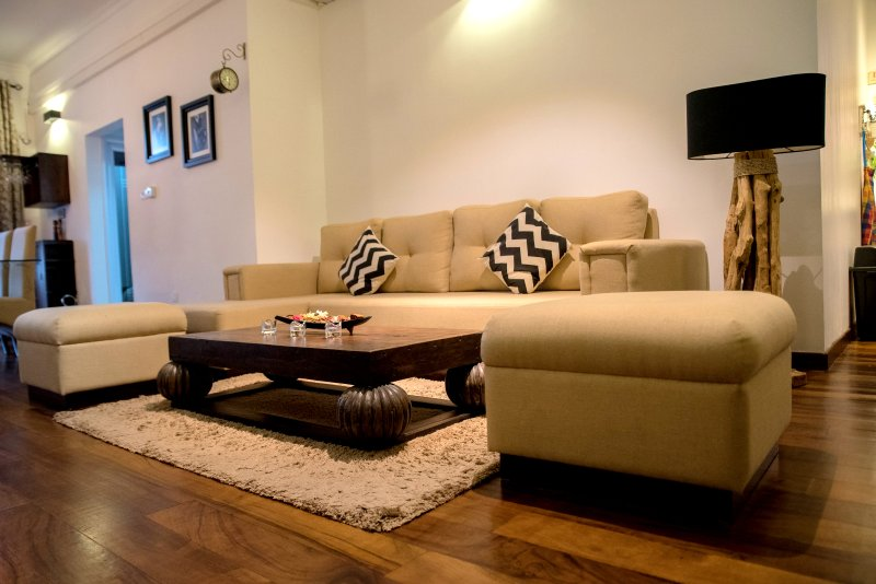 Sea View Fully Furnished 2BR Luxury Beach Apartment, holiday rental in Ratmalana