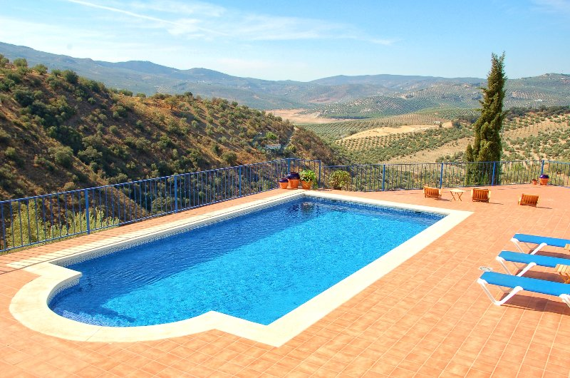 Detached & Private Villa, holiday rental in Rute