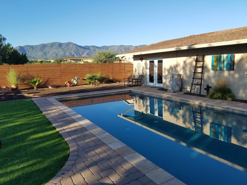 Casa Buena Vista Guest Studio VIEWS, PRIVACY, POOL 2.5 ACRES close to SEDONA, holiday rental in Cottonwood
