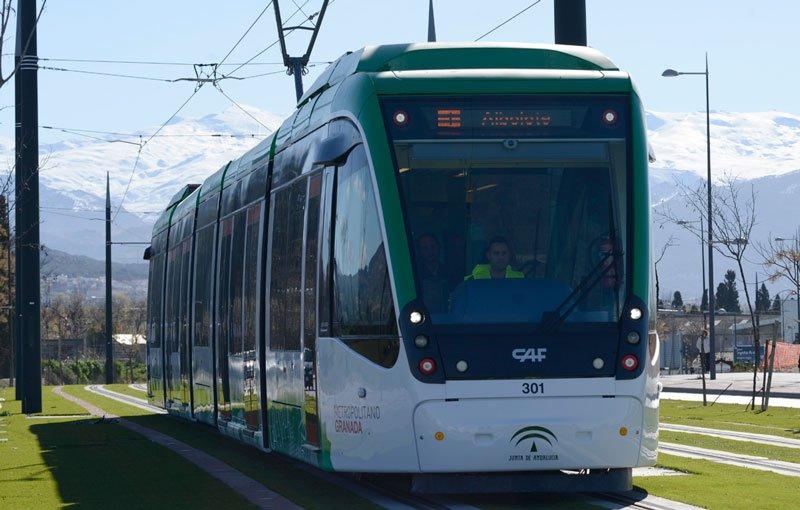 Metro param a 200 metros da casa em direção ao centro de Granada