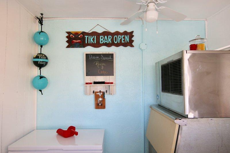Tiki Bar w / un cebo Congelador - máquina comercial ICE
