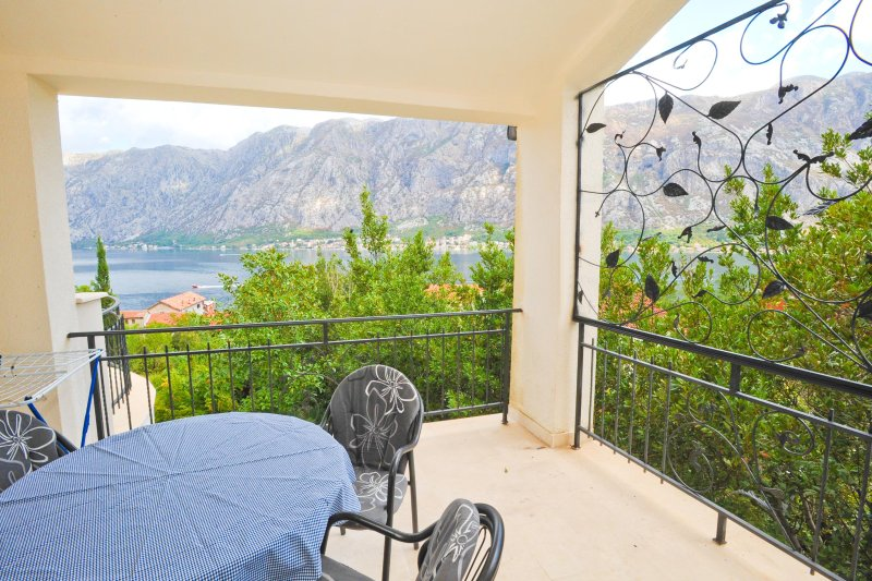 A6   FERAL  APARTMENTS  ,unforgetattable...., vacation rental in Prcanj