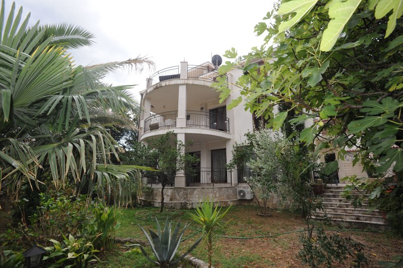 A3  FERAL   APARTMENT, vacation rental in Prcanj