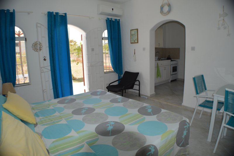 Due Palme Appartamento - Camera & Cucina