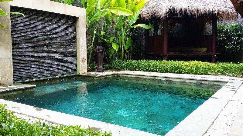 KUTA - 5 Bedroom - 5 Bathroom Villa - Great Location - m, alquiler de vacaciones en Kuta