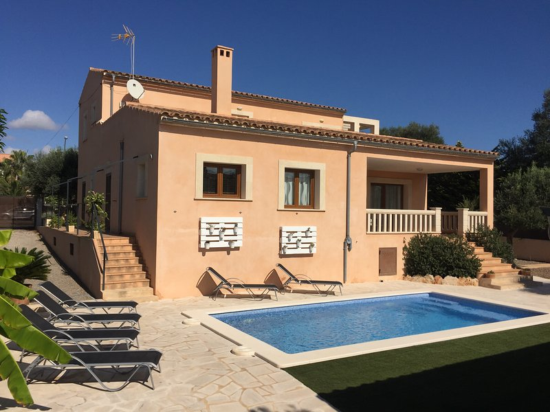 CAN FIOL. PORTOCOLOM. FINCA CON PISCINA, GYM..., holiday rental in Cala Marcal