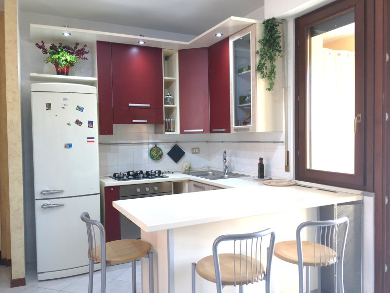 2 BDR close to MALPENSA- RHO FIERA -FREE WIFI AND PARKING, holiday rental in Samarate