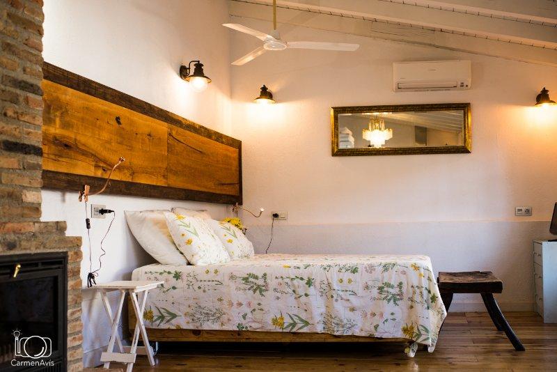 CR**** La Posada de los Sentidos, hab nº 5 con cocina, ventilador y aire acondic, alquiler vacacional en Jarandilla de la Vera