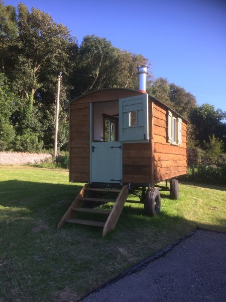 Self catering Glamping at Glan Tywyn Anglesey, casa vacanza a Bodffordd